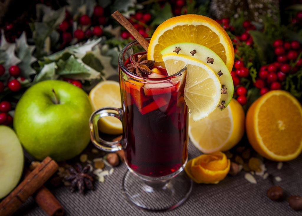 Яблочно-лимонный глинтвейн